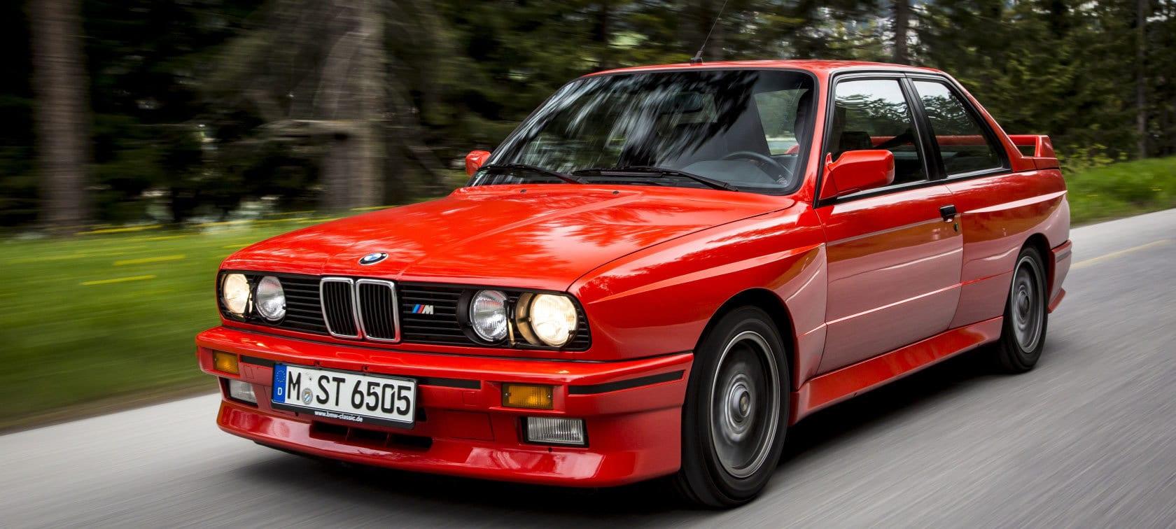 BMW e30 سيارة(1)