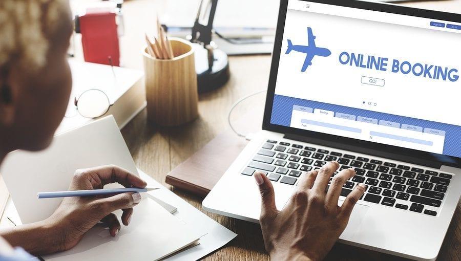 كيفية حجز تذاكر طيران بشكل آمن