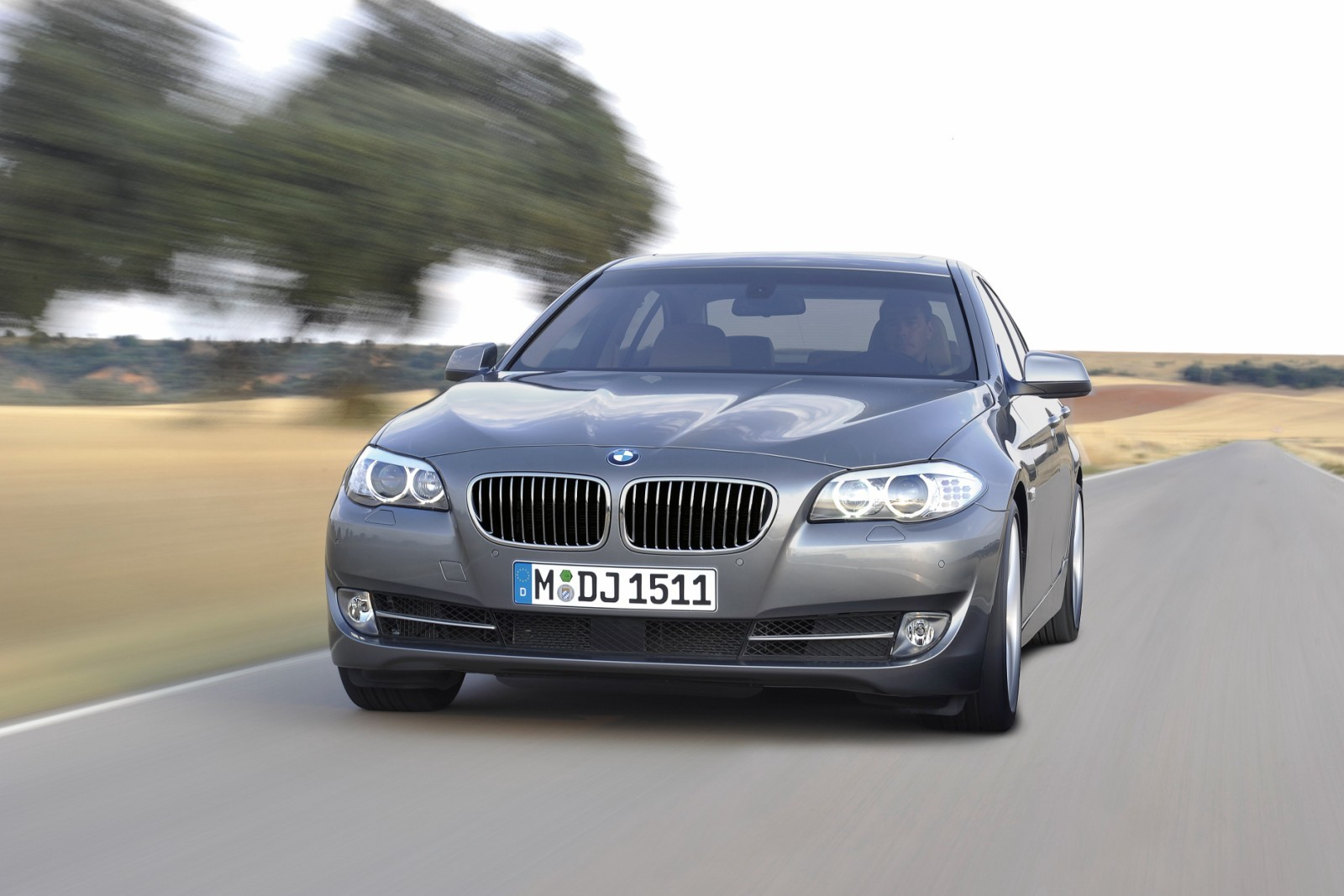 عيوب سيارة BMW 523