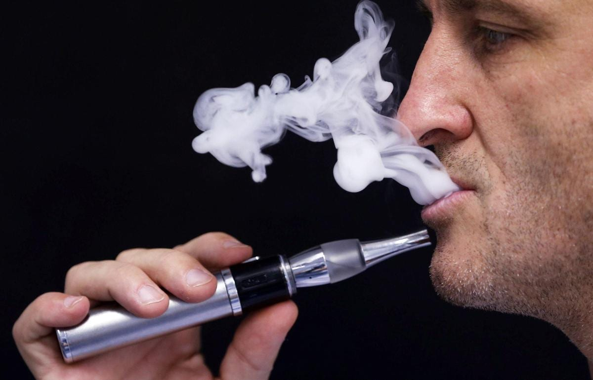أضرار السيجارة الإلكترونية دون نيكوتين