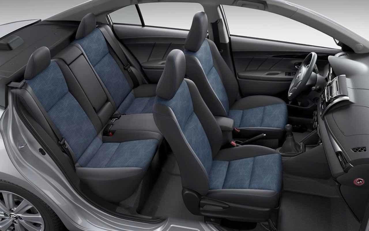 سيارة تويوتا ياريس 2014