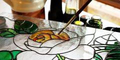 كيفية الرسم على الزجاج