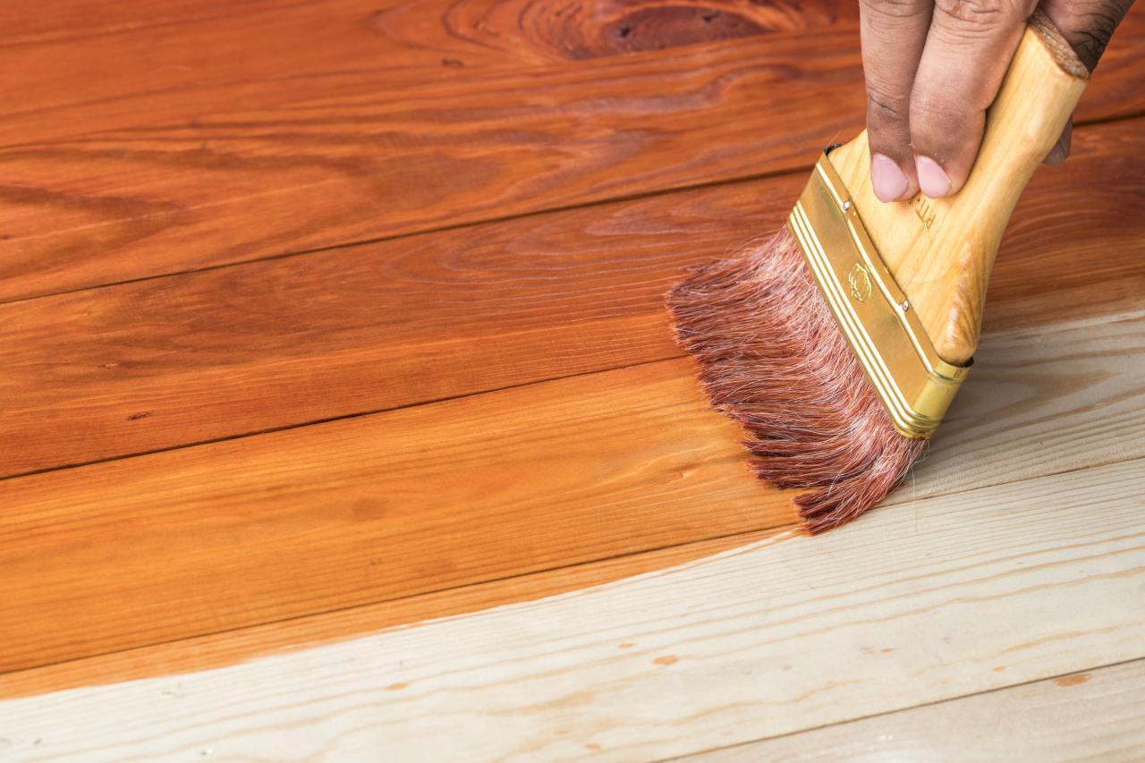 كيفية دهان الخشب بالورنيش اقرأ السوق المفتوح