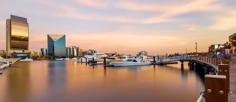 مجمع جولف جروف في منطقة دبي هيلز استيت