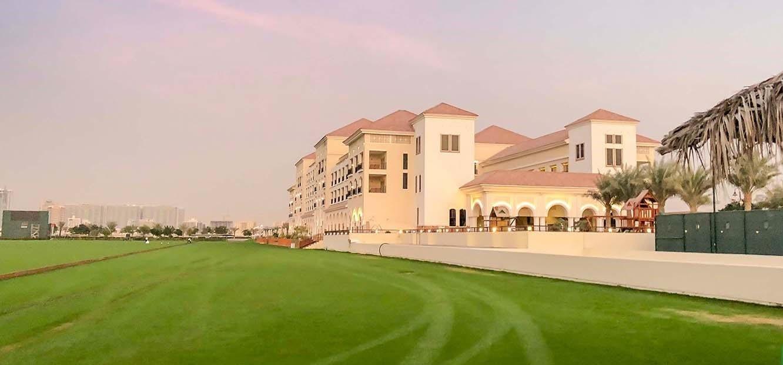 مجمع ليفينغ ليجيند في منطقة دبي لاند