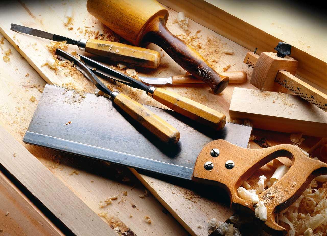 أدوات النجارة