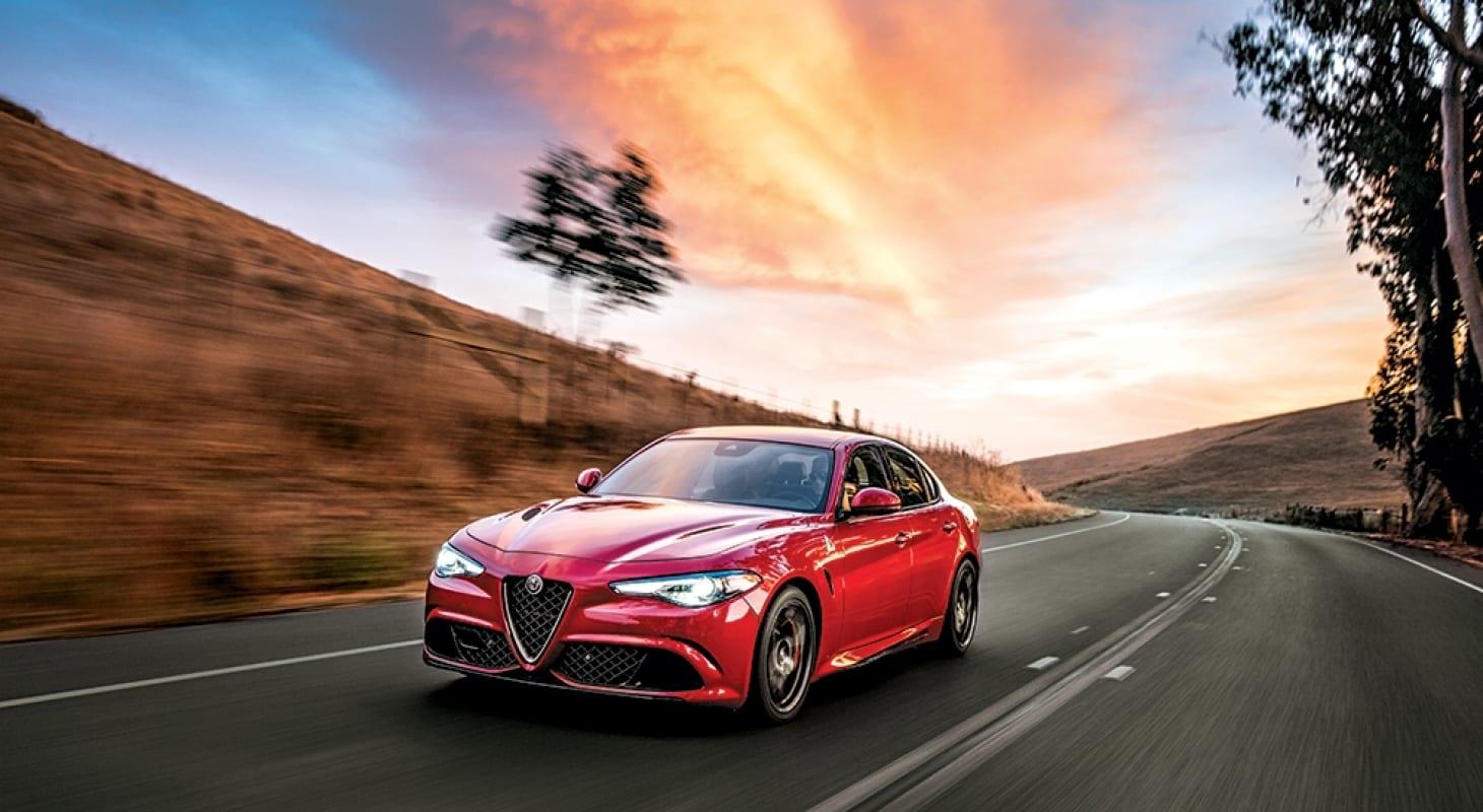 سيارة Alfa romeo giulia quadrifoglio