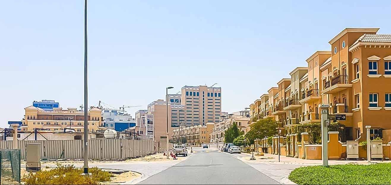 مجمع الضاحية 16 في قرية جميرا الدائرية