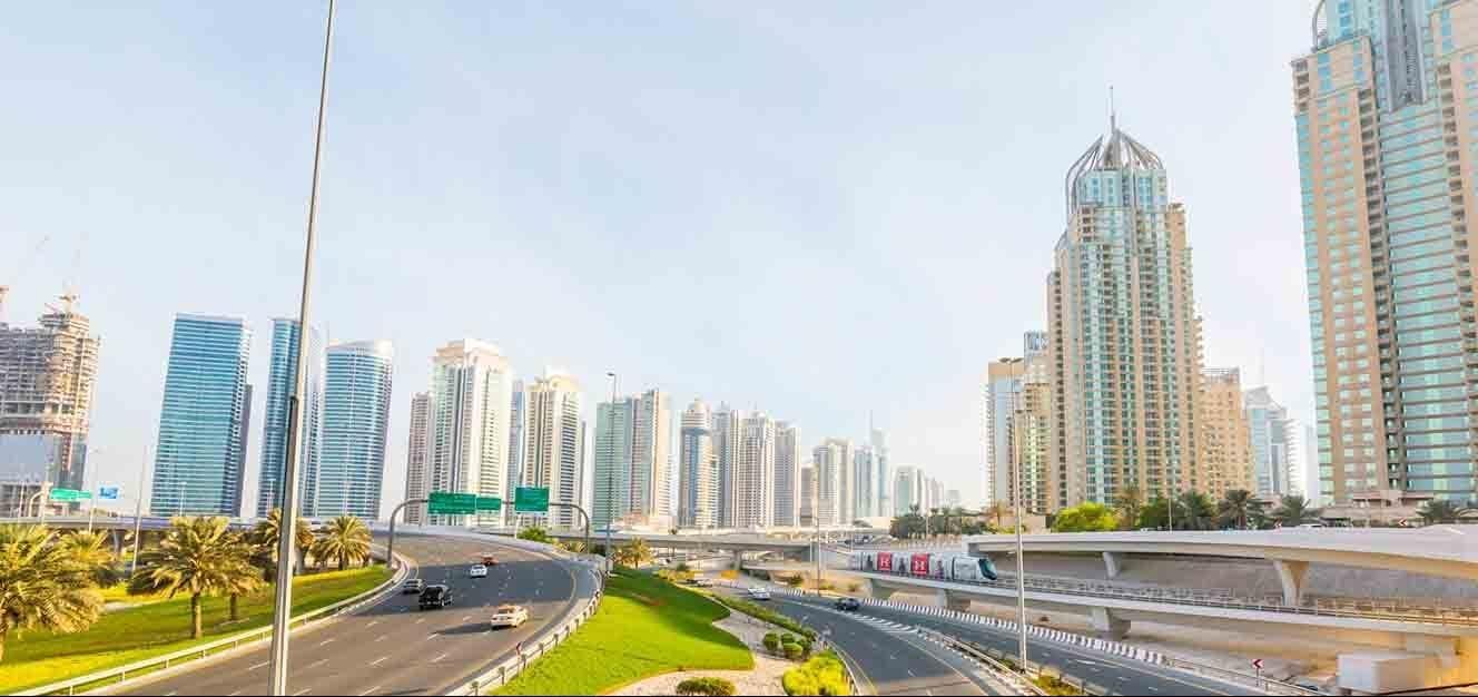 مجمع باي سنترال في دبي مارينا
