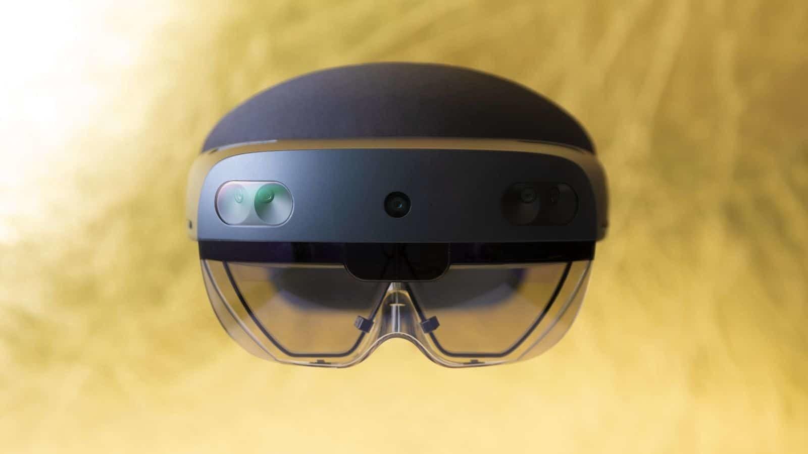 ميزات نظارة الواقع الافتراضي Microsoft's Hololens