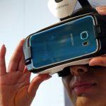 ميزات نظارة الواقع الافتراضي Samsung Gear VR