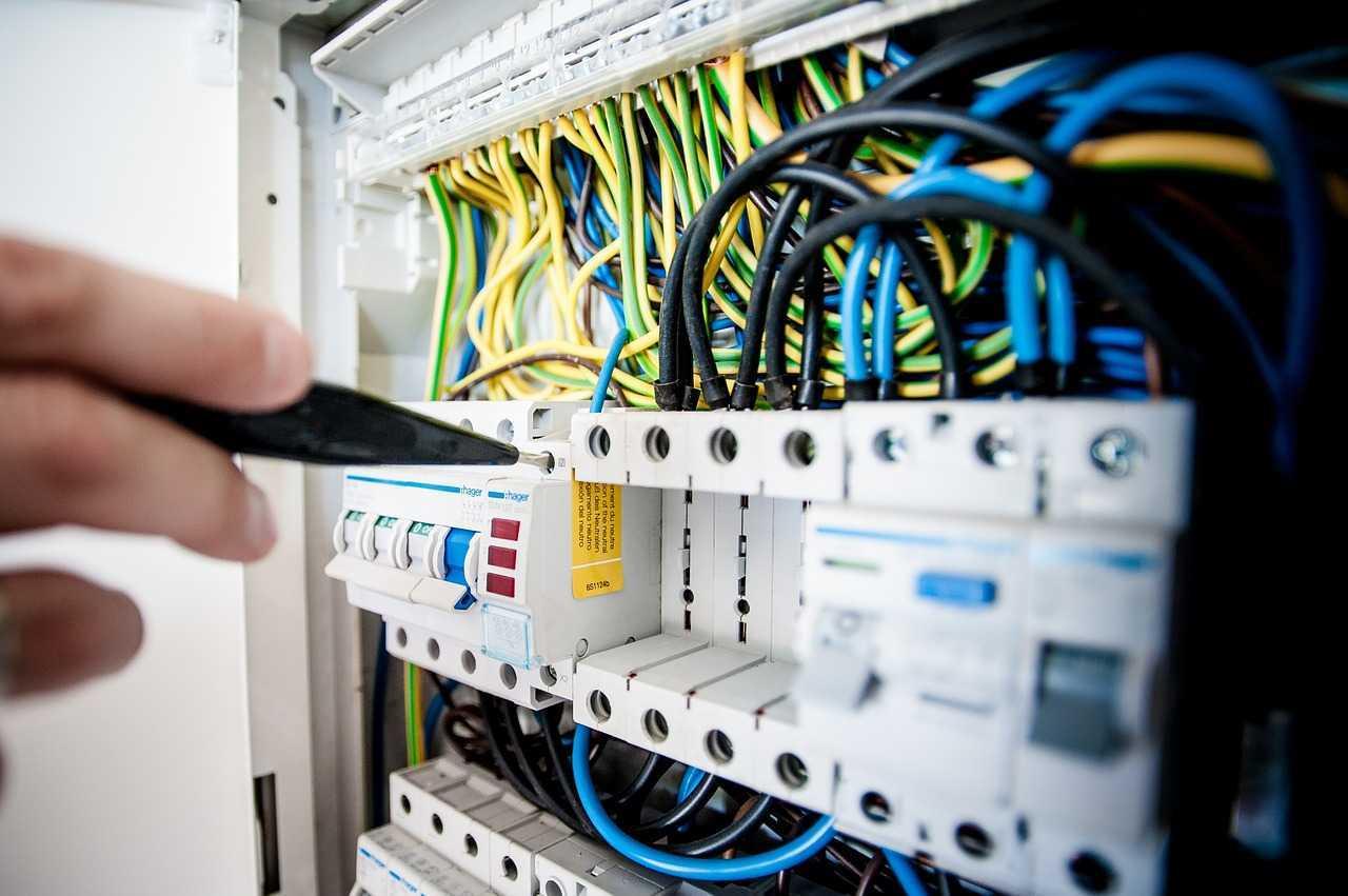 توزيع الكهرباء داخل المنزل