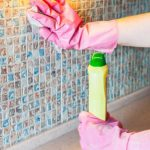 كيفية تنظيف الحوائط المدهونة زيت
