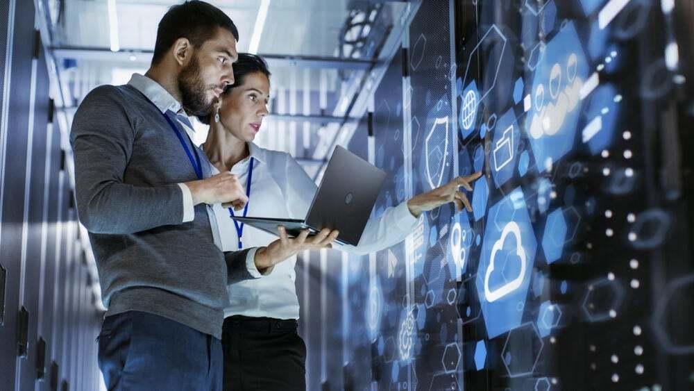 ما هي مكونات نظام التشغيل الشبكي