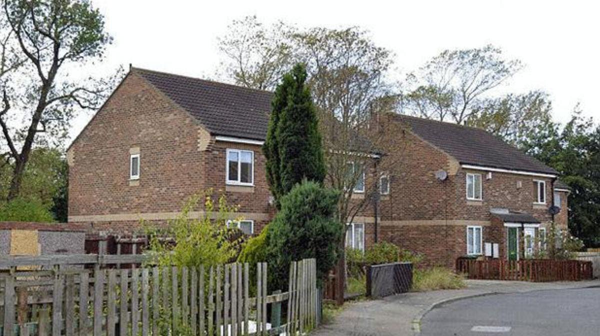 هل شراء عقار في بريطانيا يمنح الإقامة الدائمة