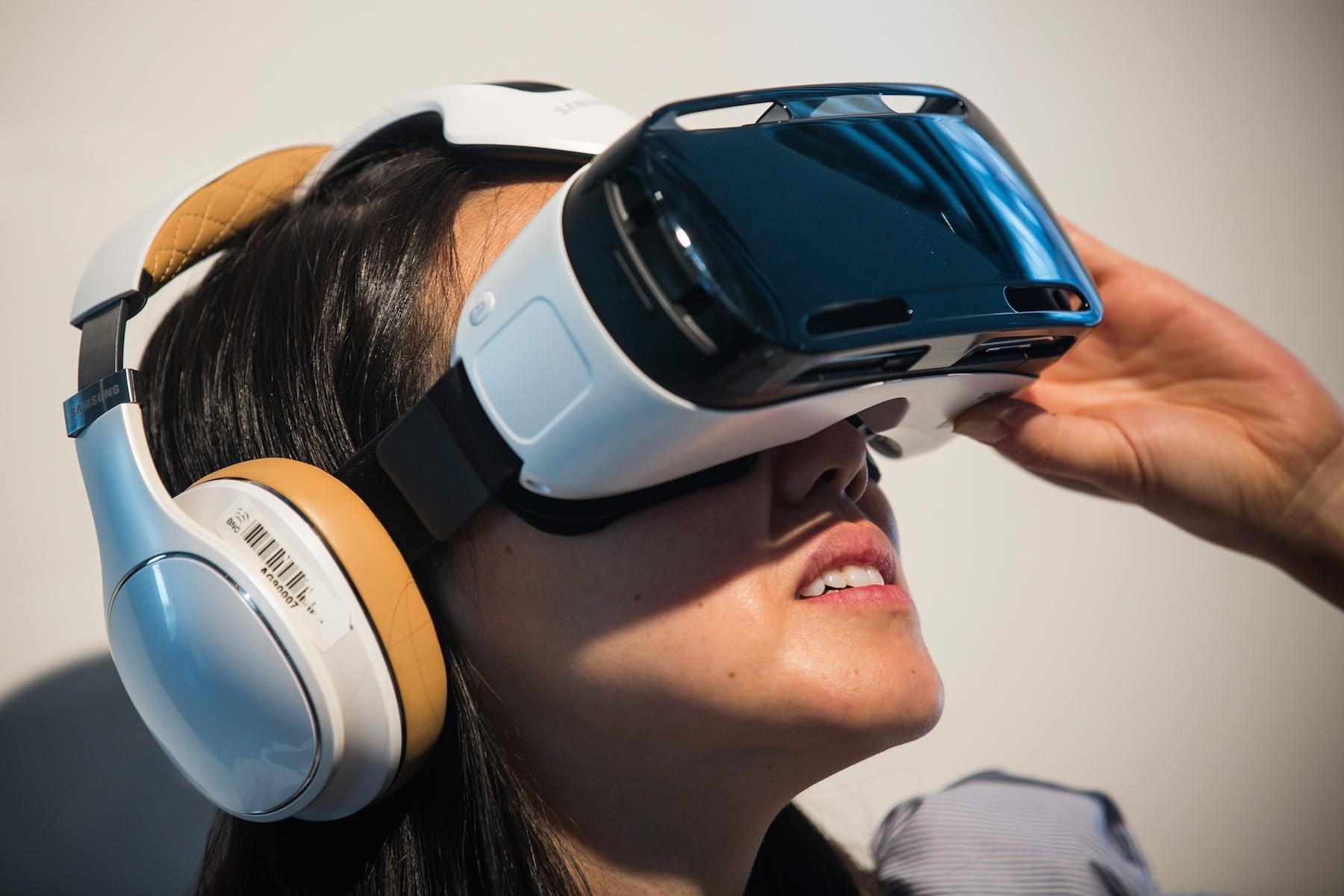 Google Cardboard نظارة الواقع الافتراضي