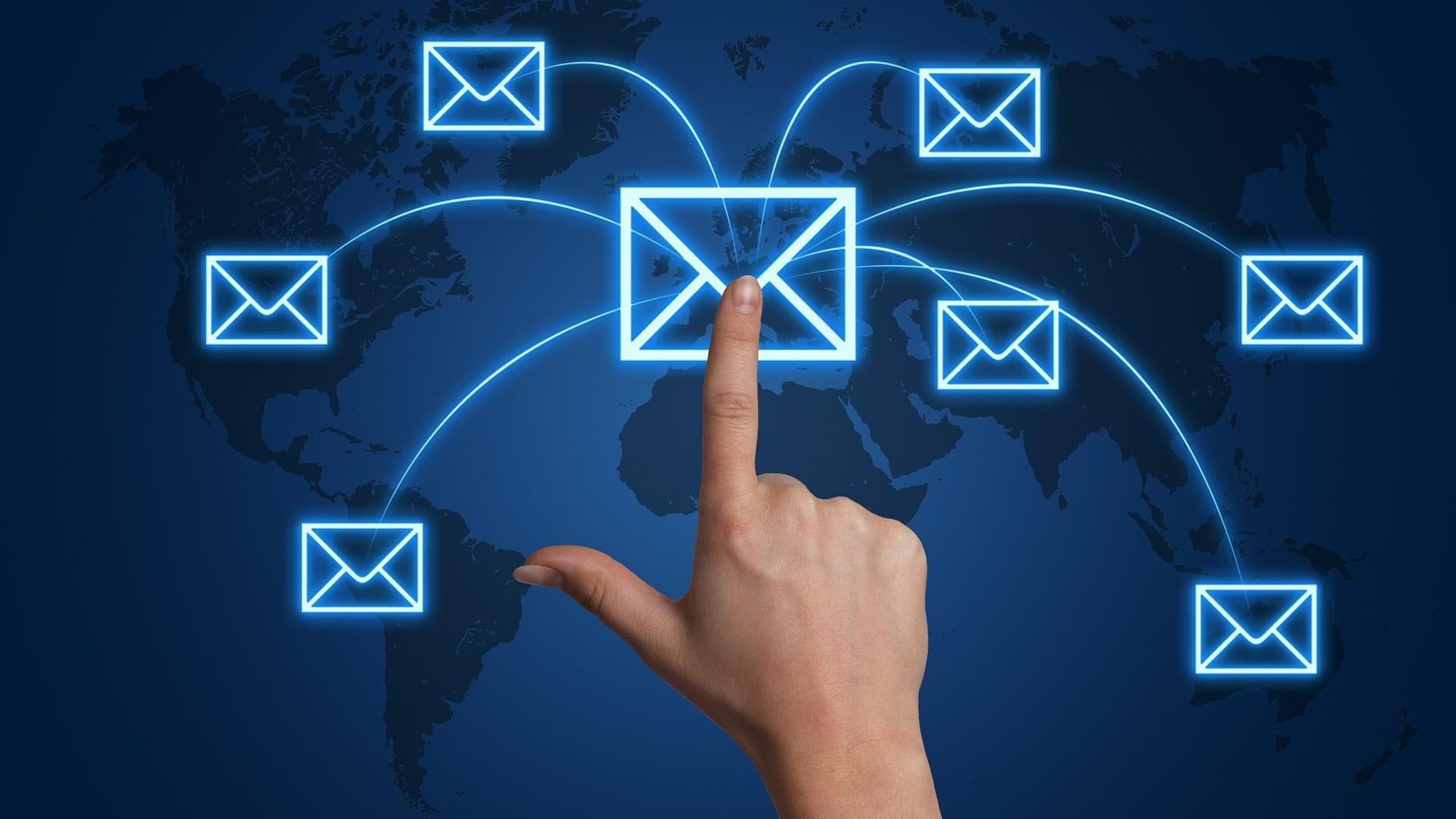 فوائد استخدام النماذج لحملات التسويق عبر البريد الإلكتروني