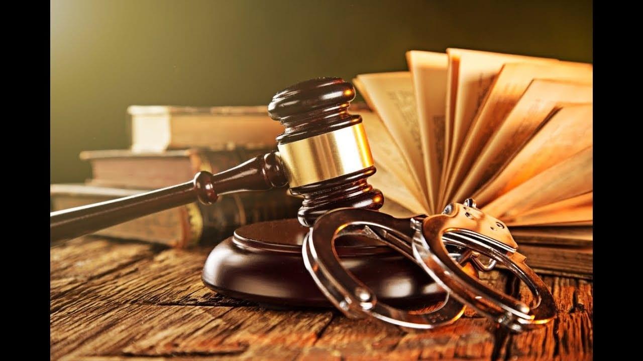 نشأة وتطور القانون الإداري